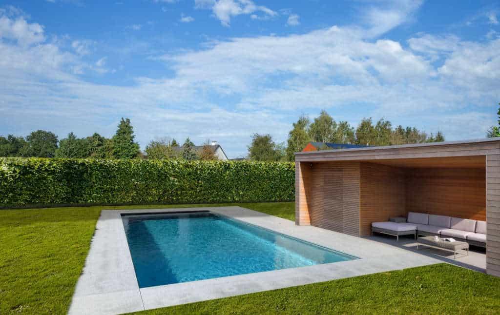 Piscine inox et pool house
